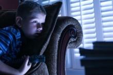 Los niños de hoy duermen una hora y media o dos horas menos que hace un siglo. Pierden 50 horas de sueño al mes. (Getty Images).